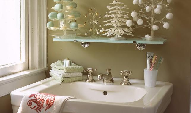 5 elementos decorativos para hacer tu baño más acogedor en Navidad ...